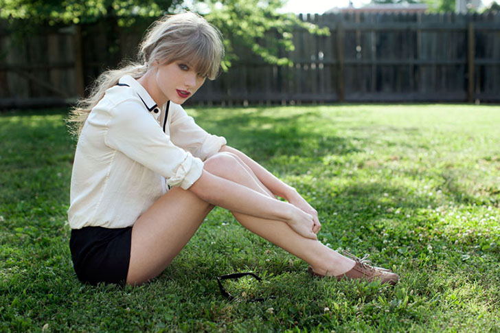 Taylor-swift-shorts.jpg