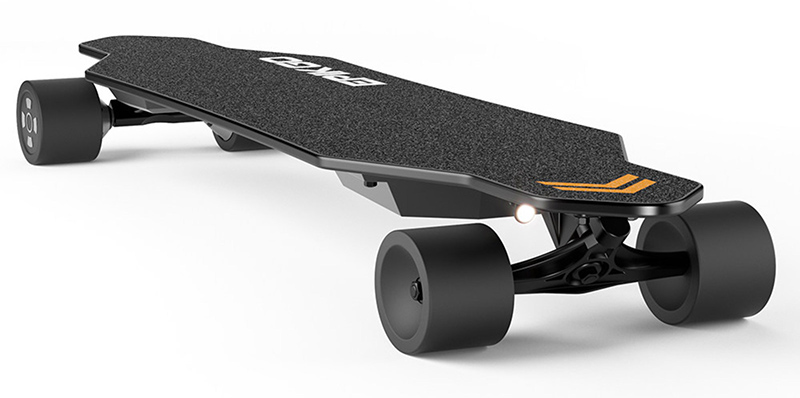 Electric Skateboard Goes 25 MPH, Controlled by Handheld Remote  Yenra