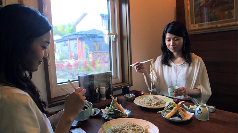 Experience Japan culture dining on fine soba made on one's own